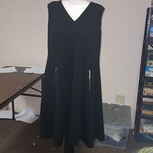 Black sleeveless dress with zipper detail